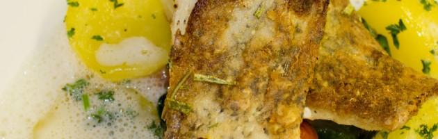 Hecht mit Blattspinat und Petersilienkartoffeln